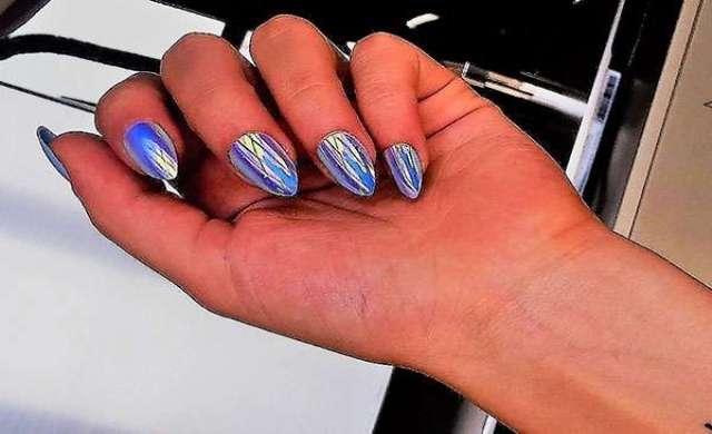Mirror nails: l'irrinunciabile tendenza per gli appassionati di manicure